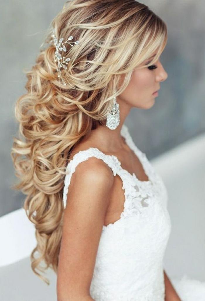 Locken frisuren lange haare hochzeit  Modische Frisuren