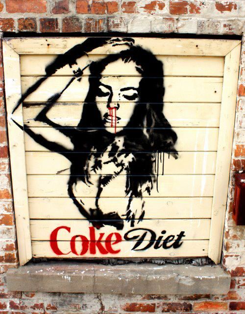 Naomi & Polly: Cocaine Graffitti  Lindsay?