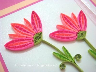 flower design using quilling comb