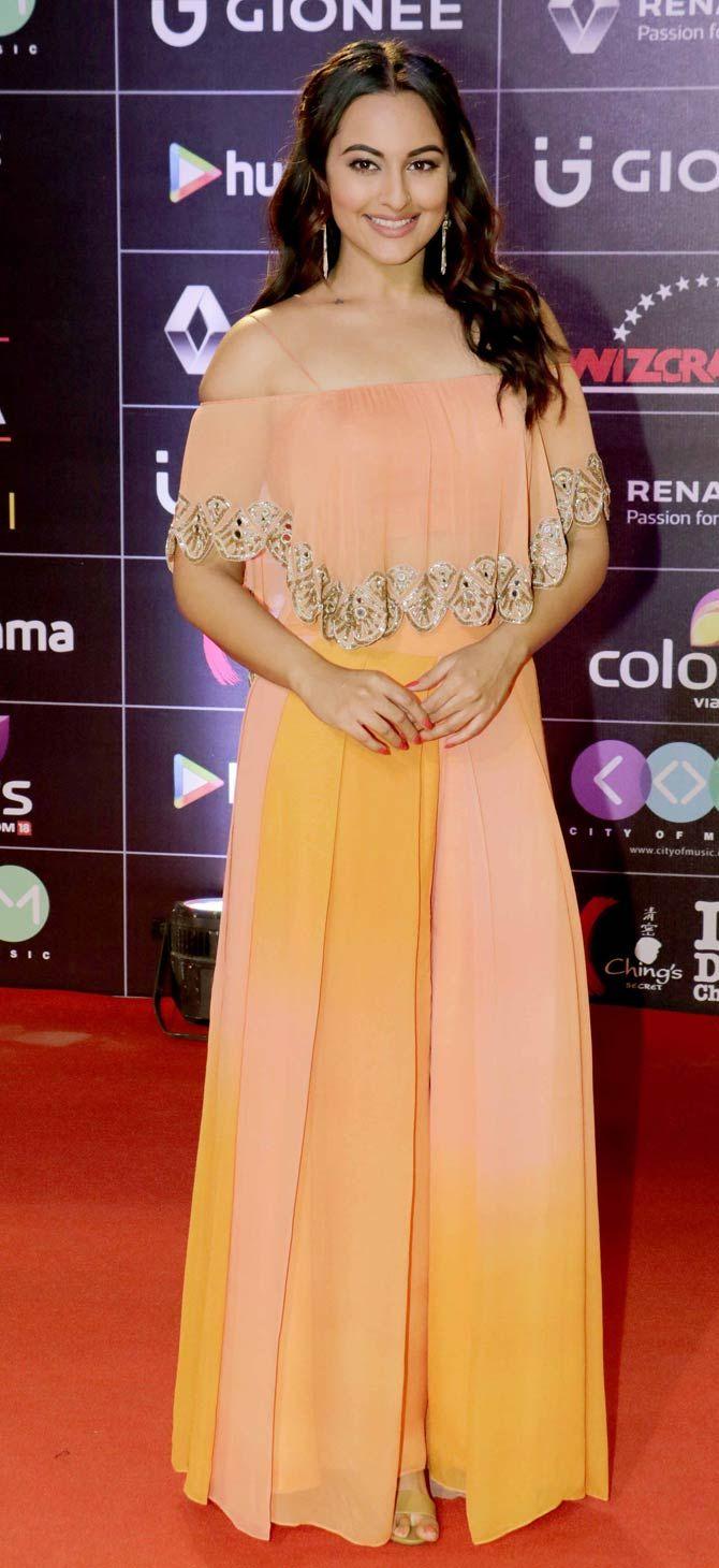 Sonakshi Sinha at GiMA Awards event.
