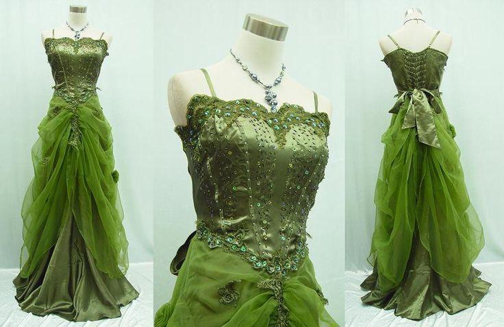 """Сказочное платье """"Зелёный лес"""" На широкую линейку размеров, примерно от 42 до 48.  Стоимость аренды:  - 1000 на сутки - 1300 на 1,5 дня - 1500 на 3 дня (день аренды, день съёмки, день возврата платья)"""