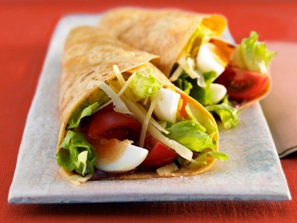 Wrap met sla tomaat ei en kaas