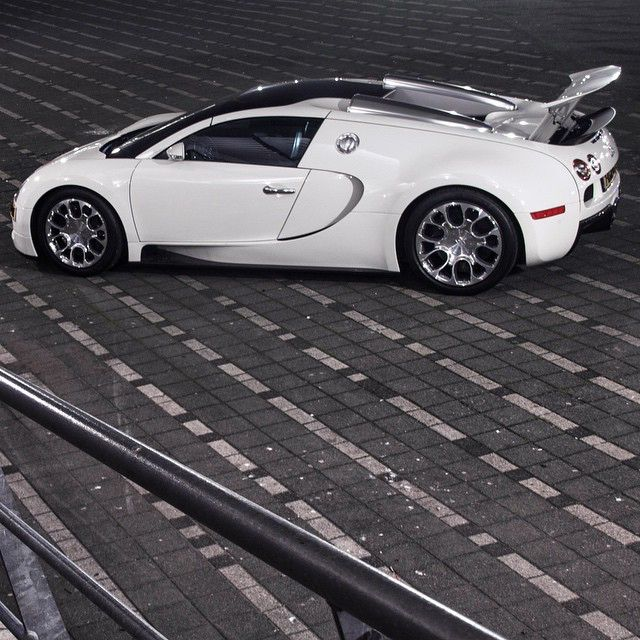 1000 images about on pinterest suzuki gsx coupe and pagani huayra. Black Bedroom Furniture Sets. Home Design Ideas