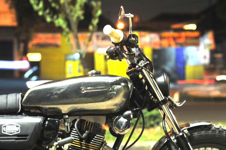 "Honda GL III / Megapro 2005  ""Silver Cash""  Custom by  "" DWellners KustomSlaughter """