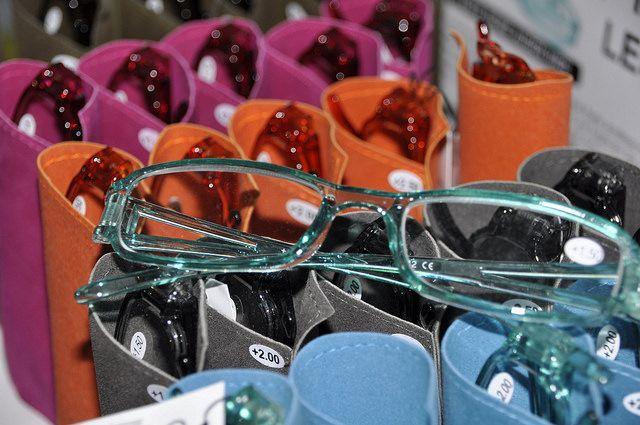 #ochelari in diferite modele si culori  la #magazin #Ronileu in #Drobeta-Turnu #Severin. Strada #Smardan nr. 38 colt bd. Tudor #Vladimirescu