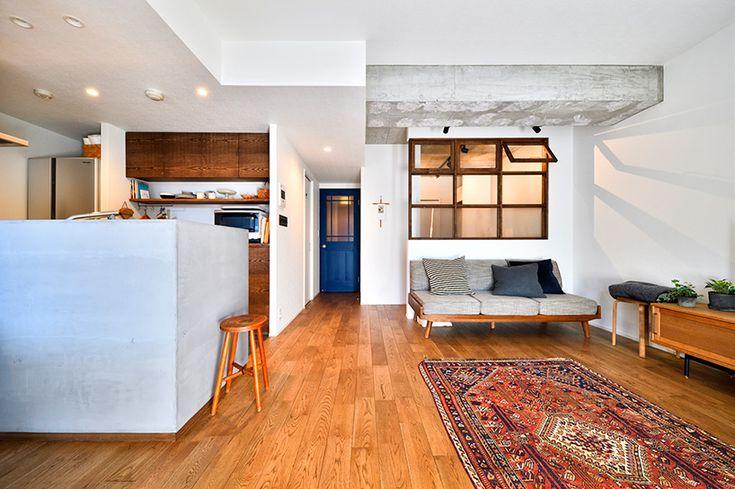 リフォーム・リノベーションの事例|リビング|施工事例No.574大きな室内窓がポイント!部屋も家族もゆるくつながる家|スタイル工房