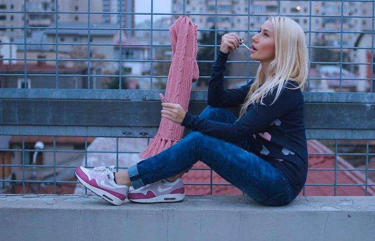 Pimp your style cu Deea Cudeea, Sinzi & KENVELO Fall Winter 2013/2014 Lasati-va inspirate de stilul celor 2 tinere!  Pimp your style cu Deea Cudeea, Sinzi & KENVELO