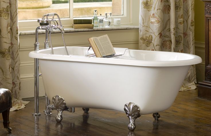 Wessex classic single ended roll-top bath including polished chrome metal Ball & Claw feet.   http://vandabaths.com/usa/products/wessex/