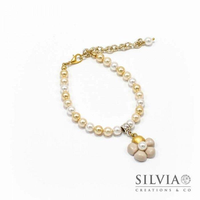 Bracciale perle Swarovski con fiore beige e oro
