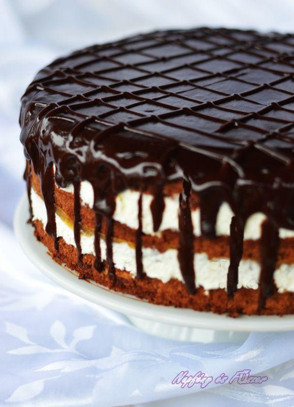 Elsőszülöttünk 12 éves lett.Kamaszkorban vagyunk annak minden szépségével és nyűgével is :)  A tortáról Neki is határozott elképzelései volt...