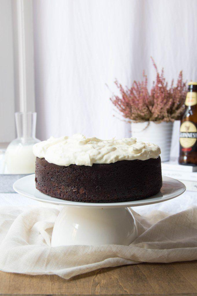Tarta de chocolate y cerveza Guinness. Solo para chocoadictos. Receta detallada.