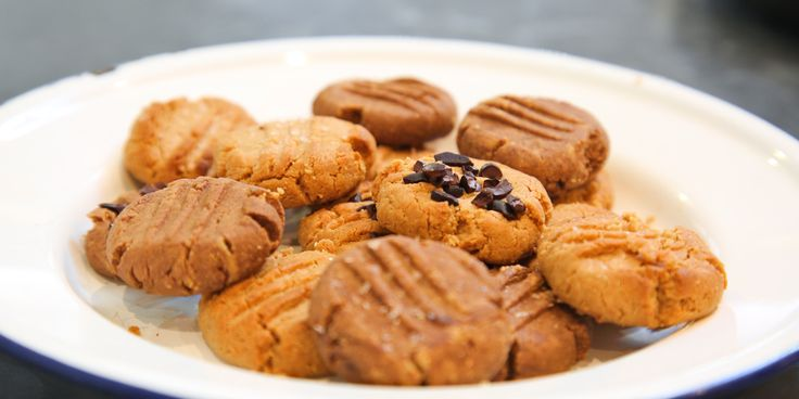 These 2-ingredient recipes prove peanut butter is actually magic via @iquitsugar