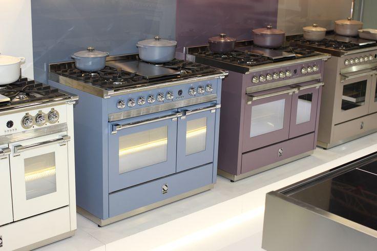 Nowe kolory piecy kuchennych Steel opracowane wspólnie z firmą Le Creuset.