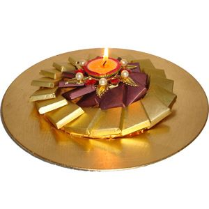 Golden Candle Platter Rs 1450/- http://www.tajonline.com/diwali-gifts/product/d4668/candle-gold/?aff=pint2014/