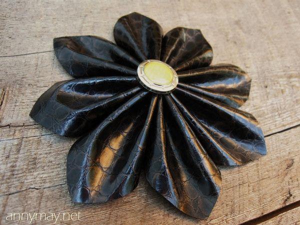 Tuto fleurs en simili cuir
