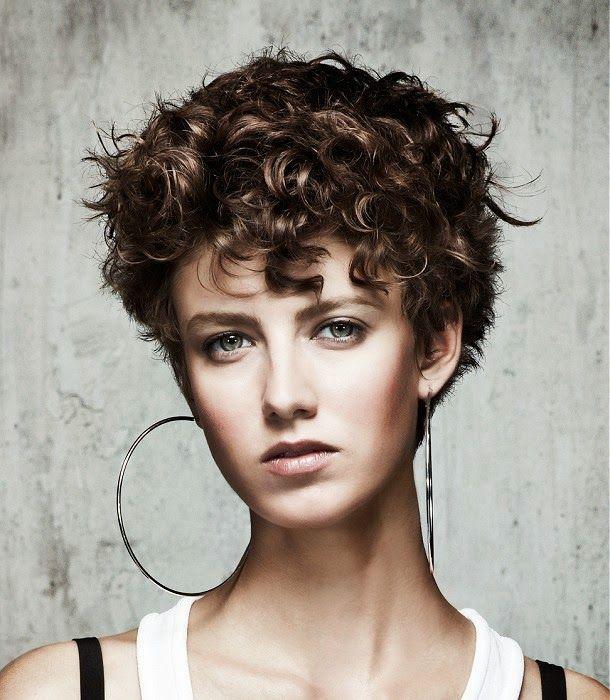 cabello corto y rizado ciudadreal tendencia