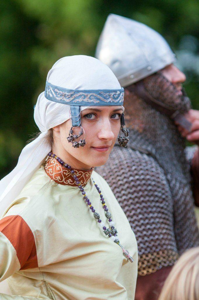 Costume Eastern Slavs: Dregovichi?, 11 се. Золотошвейная мастерская Убрус. http://ubrus.ru/node/10864
