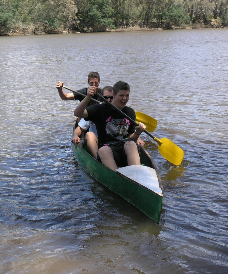 Sam and Mitch at the Goulburn River Christmas 2008