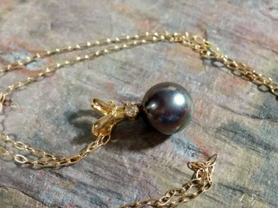 Estate Black Pearl Pendant 14k Gold Chain Necklace 585 Tahitian Black Pearl 5.5 mm Round Pearl Diamond Accent Slide Pendant Gift to Her #etsy #etsyseller #etsyshop #etsyshopowner #etsyvintageseller #etsyvintage #etsyjewelry #etsygifts #etsylove #vintagearizona #vintagejewelryforsale #vintagegold #vintagesilver #goldjewelry #vintagejewellery #sterlingsilverjewelry #southwest #southwestjewelry