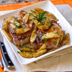 Brined pork chops with an apple compote LOVE THIS WEBSITE