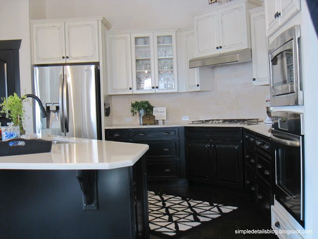 Kitchens Dark Lower Light Upper Kitchen The Contrast Of Black Cabinets And Uppers Creates Color Ideas Pinterest Lights