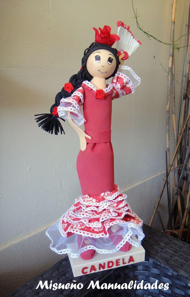 """Fofucha """"fashion"""" por encargo de mi amiga Candela de los Dolores, inspirada en sus maravillosos diseños. www.misuenyo.com / www.misuenyo.es"""