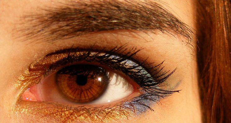 jamaican black castor oil on eyebrows