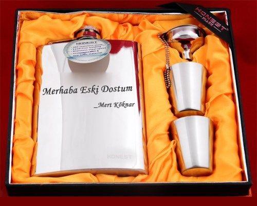 Sevgilinize isminize özel matara seti hazırlatmaya ne dersiniz?   http://www.buldumbuldum.com/hediye/kisiye_ozel_matara_seti/