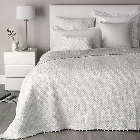 Brittany Collection, cotton bedspread with pom poms
