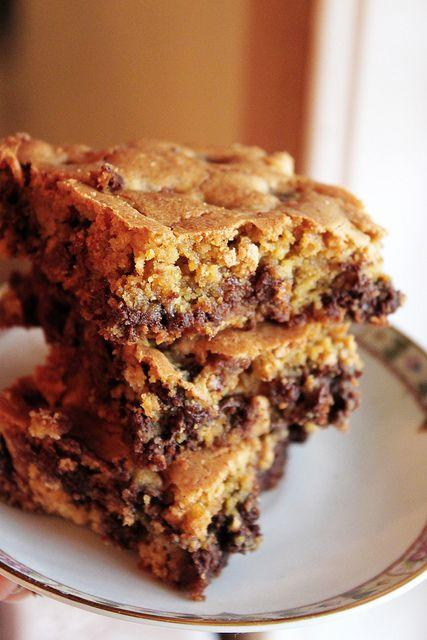 gluten free chocolate chip cookie bars: Cookies Bar, Chocolate Chips, Chocolates Chips, Gluten Free Chocolate, Chips Cookies, Cookie Bars, Free Bakeries, Bar Congo, Congo Bars