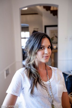 Check out Christine Symonds & Odette Annable's #HowTo rock the knotted pony! #manespiration