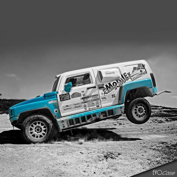 Blu details on Hammer H3 🚛  | EVO Corse Racing Wheels #evocorse #evocorsewheels #wheels #dakarwheels #blueeffect #hammerh3 #desertapproved #followus