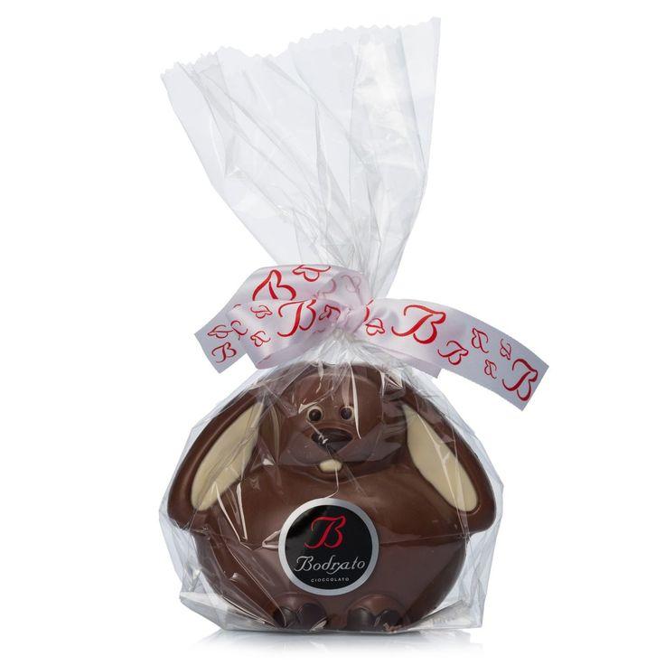 Coniglietto di cioccolato al latte con dettagli in cioccolato bianco, Bodrato  -cosmopolitan.it