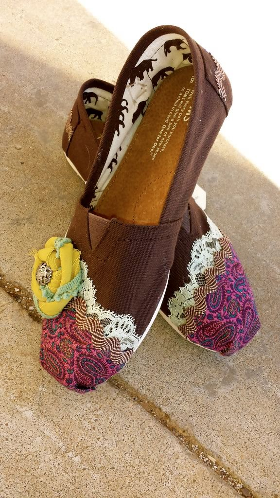Toms. Would look better without the flower tho