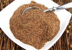 El lino y clavo de olor son eficaces en casi todos los tipos de parásitos. Para preparar esta mezcla, es necesario tener 10 partes de linaza (fresca) y 1 parte de flores secas de los clavos (100 gramos de semillas de lino y 10 gramos de clavo de olor). Picar juntos en un molinillo de café hasta que sea polvo molido o comprarlo en la tienda de alimentos saludables.    Limpia el cuerpo de parásitos y normaliza tu peso con esta mezcla.