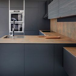 All about Kitchen | Iron Corten by Neolith on Architonic. Find pictures & detailed information about retailers, contact ways & request options for Kitchen | Iron Corten here!