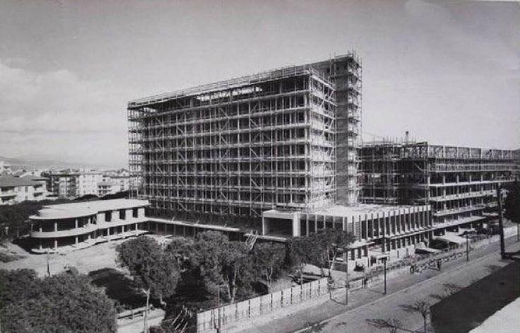 Büyük Efes Oteli, 1963-1964 yıllarında inşaatı devam ederken.