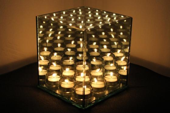 Spar 50% på den smukke og betagende uendelighedsstage INFINITY 9 Cube, som er en ny udgave af den fra aftenshowet på DR1! Lysestagen vil med sit stilrene og dekorative design pryde dit hjem med en helt unik elegance. Få din egen uendelighedsstage til kun 399,- inkl. levering! Kan købes her: http://dealhunter.dk/produkt/spar-hele-50-paa-den-smukke-uendelighedsstage-infinity-9-cube.html
