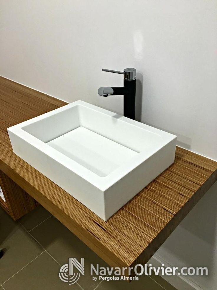 Lavabo de mano para tu negocio. www.navarrolivier.com  #KRION #lavavo #madera #mueble #interiorismo #decoracion #solidSurface #navarrolivier