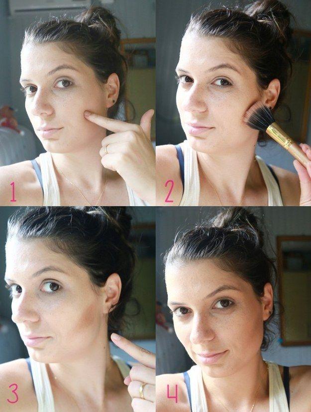 Acerte o contorno do seu formato de rosto localizando o ossinho da maçã com o dedo. Depois é só passar o pincel em cima e esfumar.   26 truques rápidos de maquiagem que vão facilitar a sua vida