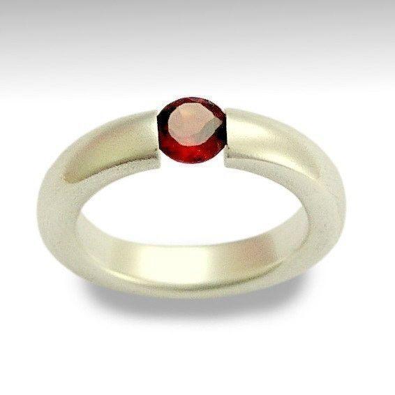 Bergkristall - Moderne rote Edelstein- Silberring - ein Designerstück von artisanfeel bei DaWanda