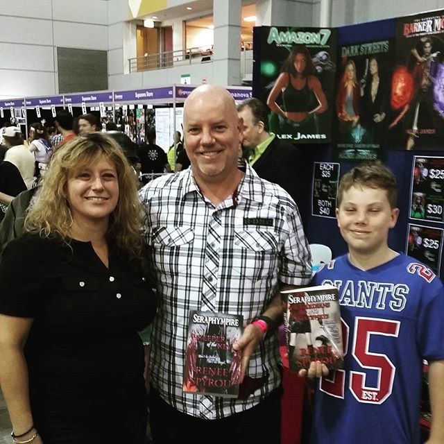 Thanks Darrin Hanigan, my old school friend, for dropping by and buying copies of my #Seraphympire #novels @ the #Brisbane #Supanova2016 last weekend. It was great to see you again after all these years. I hope your wife enjoys reading my books. 😆❤ 📖📚