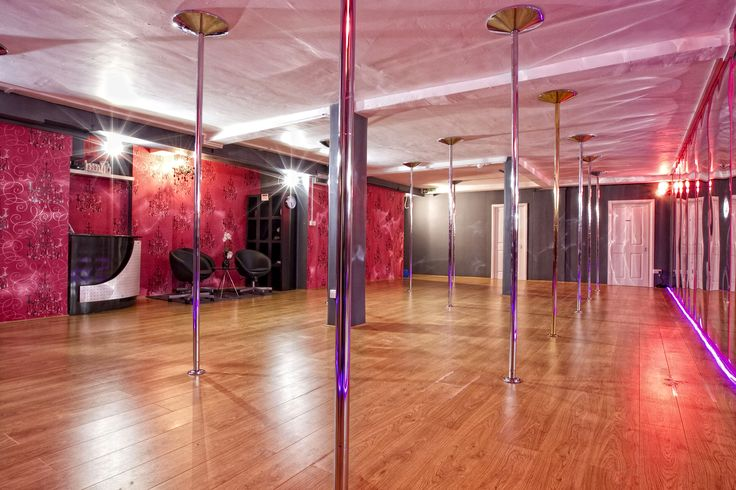 World Best Pole Dance Rooms - bright room