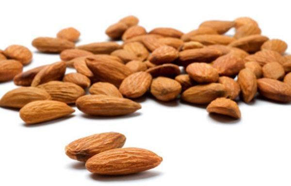 Raw Food 101: Why You Should Always Soak Almonds | Frugivore Magazine