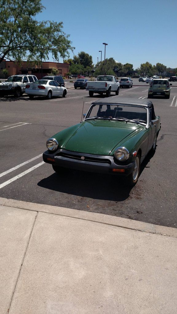 ebay auto  #automobili #occasioni #auto #ebay #macchine #vettura Decided to get some lunch in 120 degree weather with the MG. Worth it