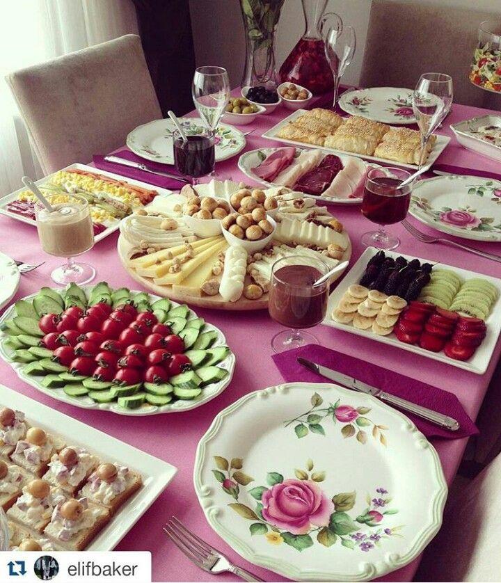 38d3eaeaac3cf45d11a63c201d5b3bab.jpg (720×838) #Kahvaltı #Masa