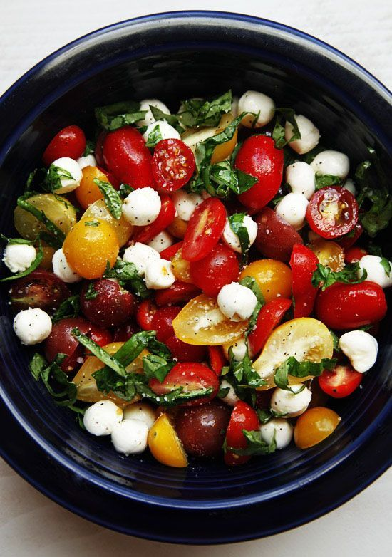 Tomato Basil Mozzarella Salad - I make this all the time and it's one of my favorite lunch salads..