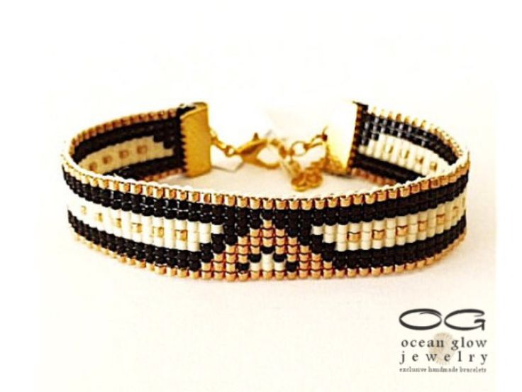Bead loom bracelet Romantic Night - friendship bracelet, beaded bracelet, miyuki bracelet, bead bracelet  Stylish, made of Miyuki beads in shades of black and gold with an extension chain allowing the bracelet to fit any wrist .   Measurements 21 cm  * Want to save for later? Click on the heart at right that says Add item to favorites. * Ready to buy? Click the big green Add to cart button. * Would like to have a custom order? Click the small blue Custom order link under my name on the…