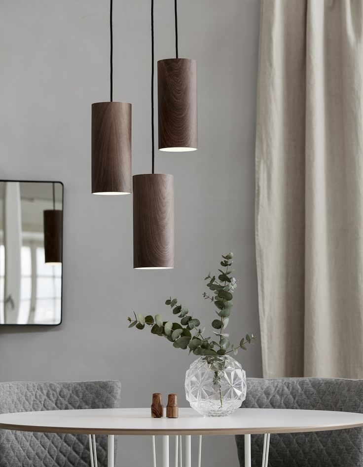 beautiful colour mix and love the three hanging lamp pendants