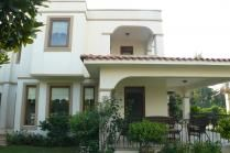 Villa Nico - 3 bedroom villa with pool access in stunning location - availabe for long term rental.